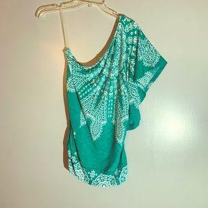 Studio Y boho style shirt size M